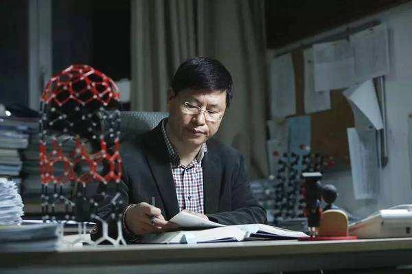 刘忠范:石墨烯更好发展 必须着眼于未来